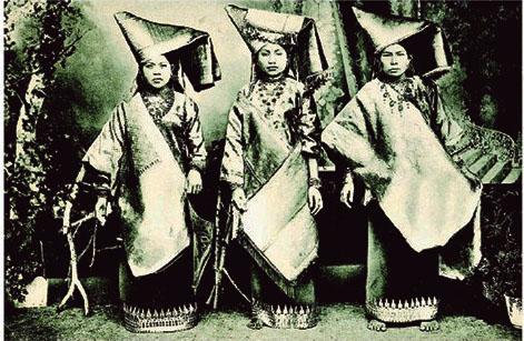 Pakaian Wanita Minangkabau Abad 19masehi abad 13hijrah